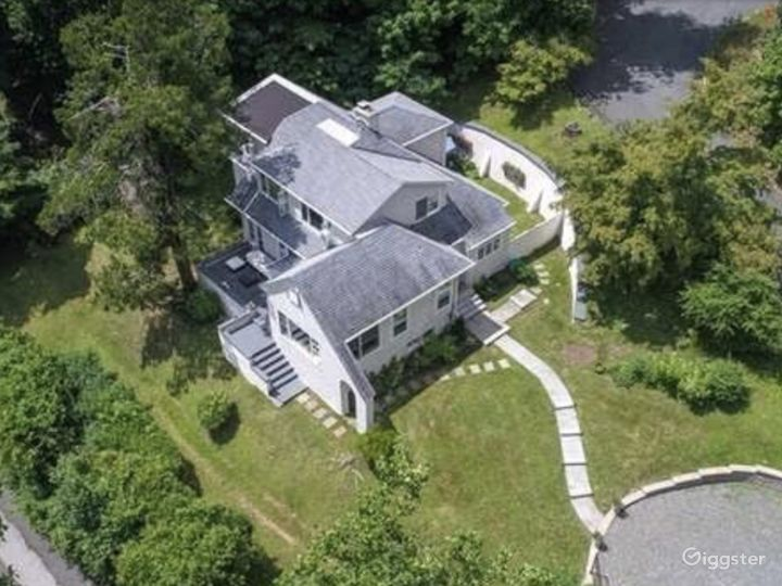 1929 Period Home with Exquisite Hudson River Views Photo 2