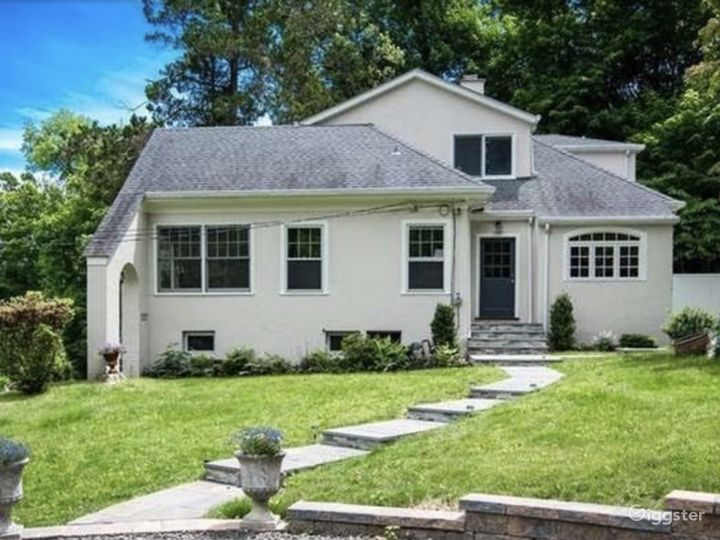 1929 Period Home with Exquisite Hudson River Views Photo 4