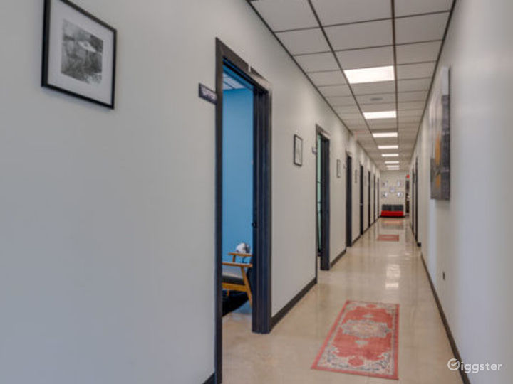 Private Office for 3-4 in Lincolnwood Photo 3