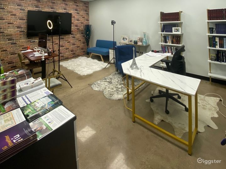 Private Office for 3-4 in Lincolnwood Photo 2