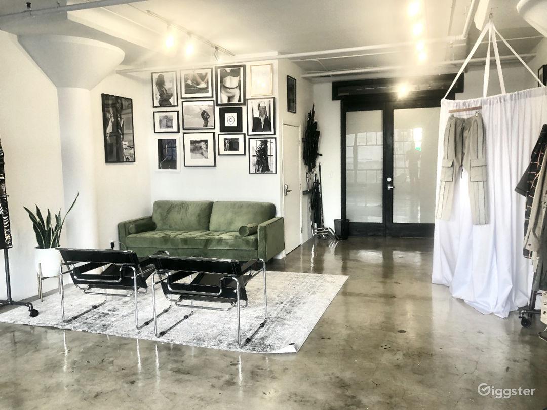 DTLA Stunning Loft and Photography Studio  Photo 2