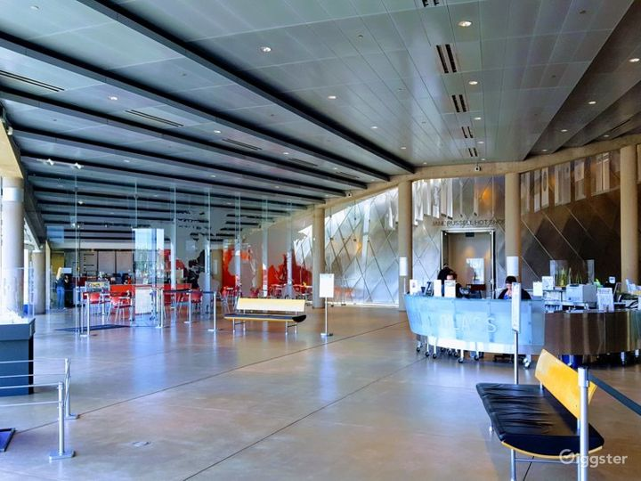 Main Plaza of Glass Museum with Stunning Views of the Cityscape Photo 5