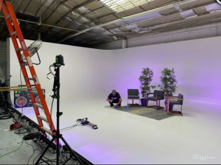 Film, Photo Studio, Live Streaming, & Event Space in Downtown LA Photo 2