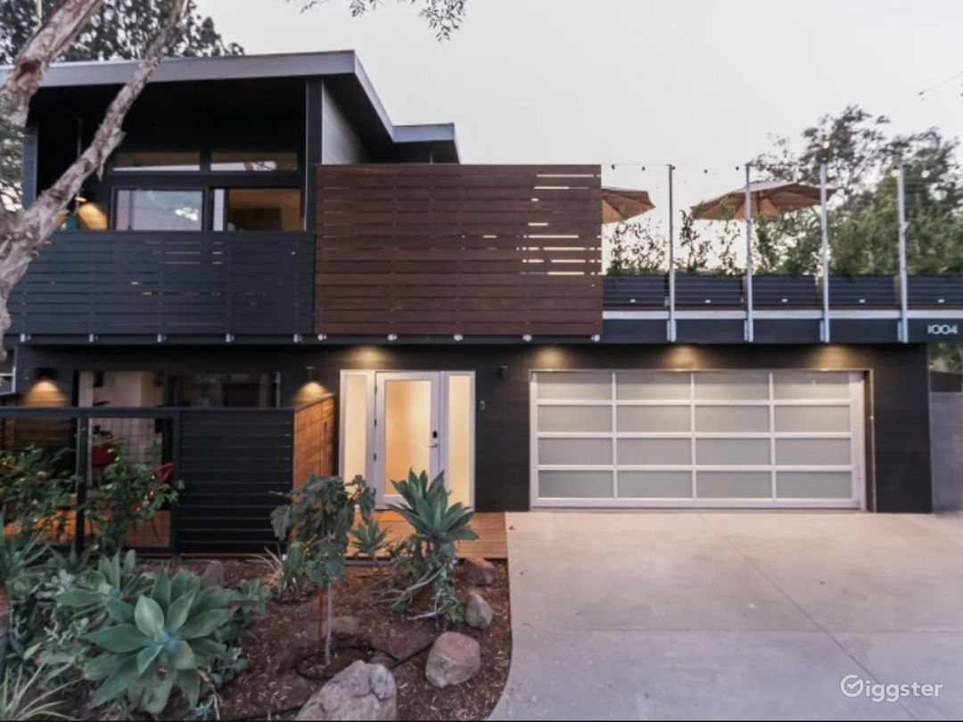 Sustainable Minimalist Designer Encinitas Home - Buyout Photo 1