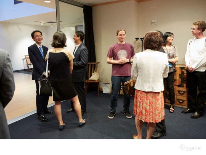 Atrium & Meeting Room Photo 4