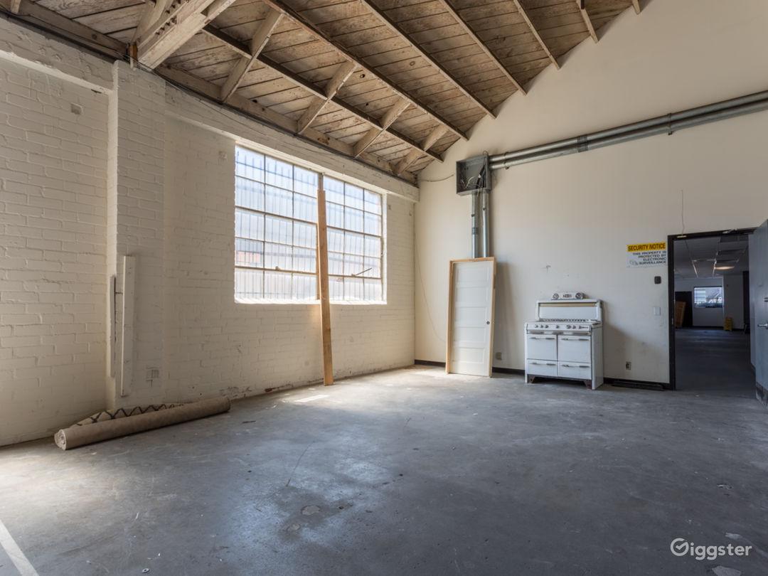 Warehouse No.430 Photo 4