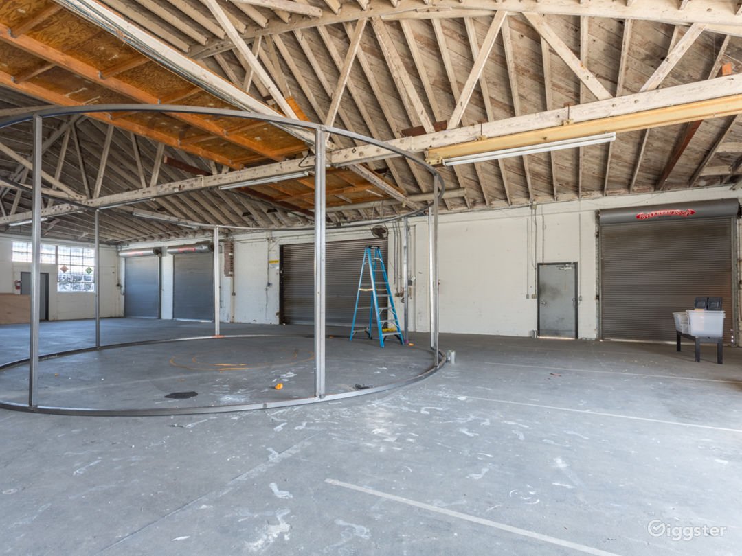 Warehouse No.430 Photo 3
