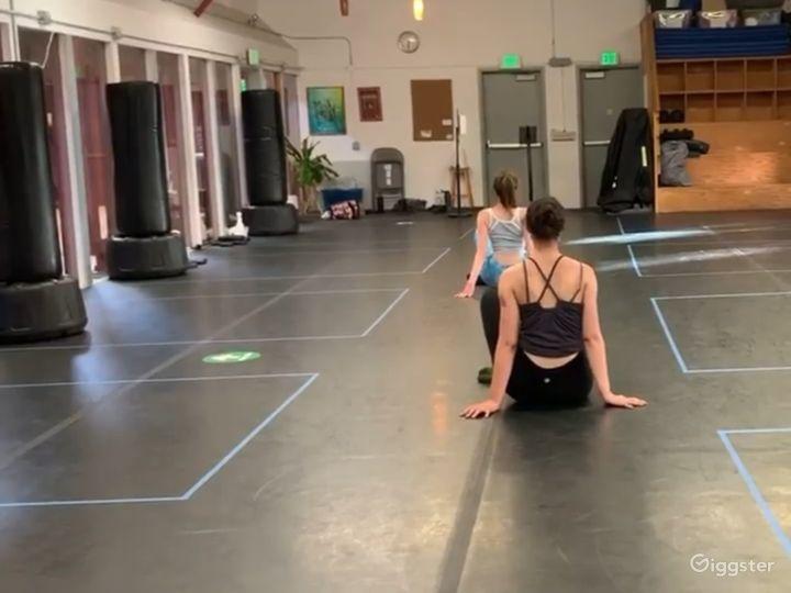 Spacious 1200 sq. ft. Studio World Dance & Cultural Center Photo 3