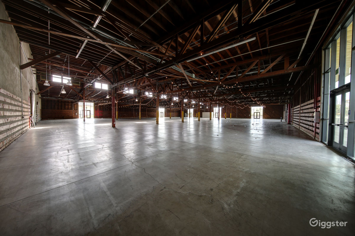 Warehouse with Truss Ceiling near San Pedro Los Angeles Rental