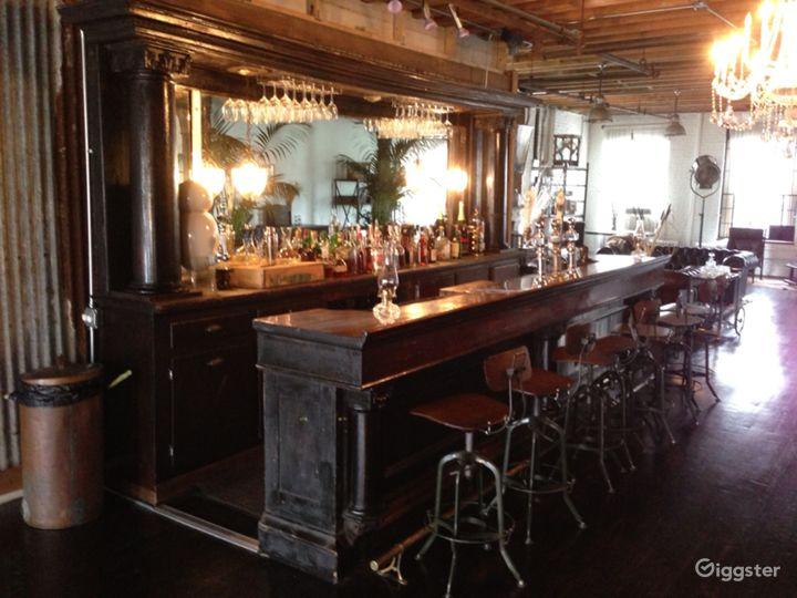 Funky loft with bar: Location 5005 Photo 4