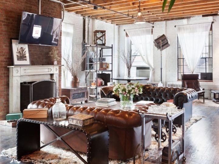 Funky loft with bar: Location 5005