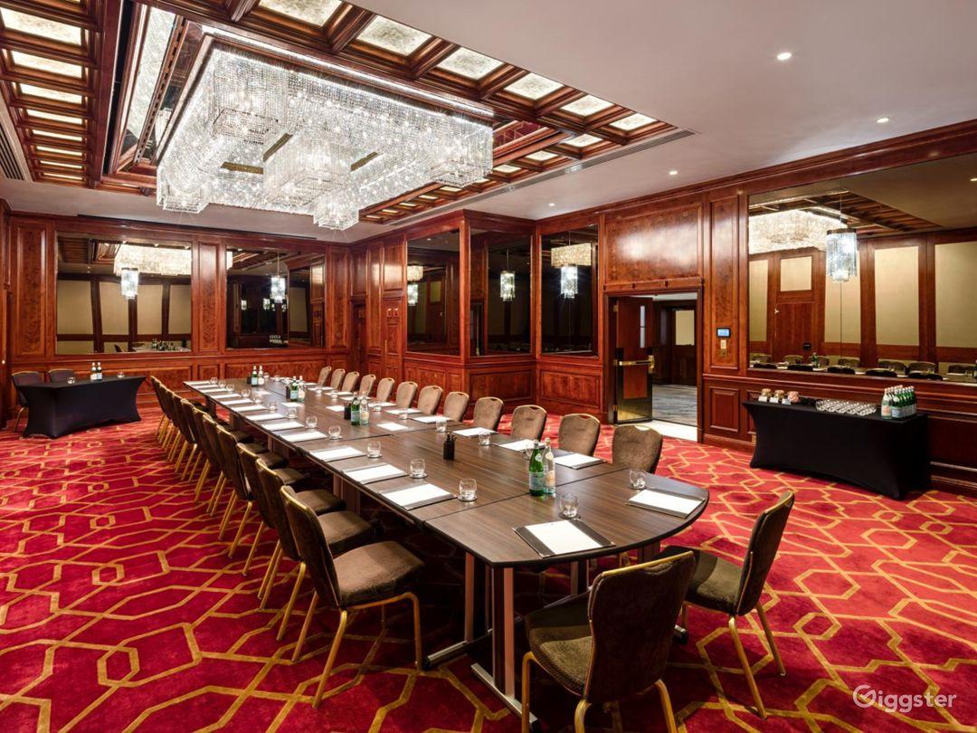 "Amazing ""County D"" Meeting Room in London, Heathrow Photo 1"