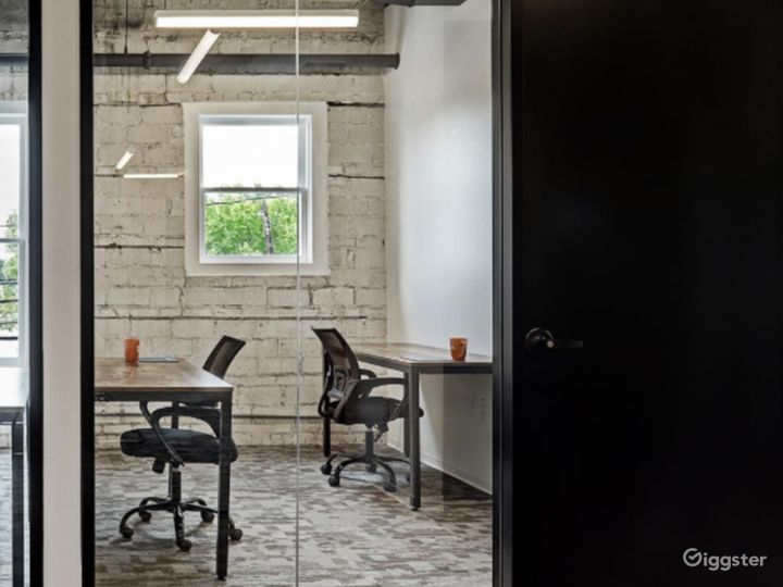 Modern Office Spaces for Meetings in Houston Photo 5
