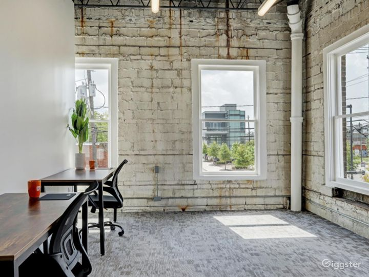 Modern Office Spaces for Meetings in Houston Photo 3