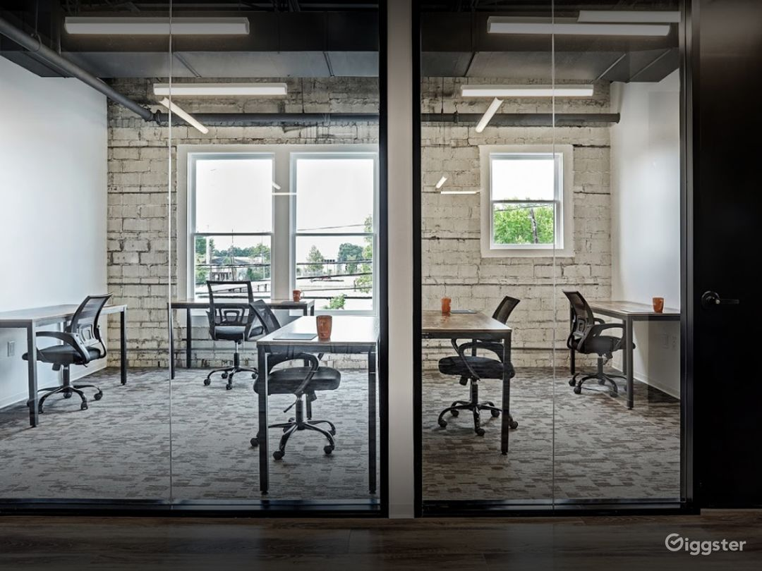 Modern Office Spaces for Meetings in Houston Photo 1