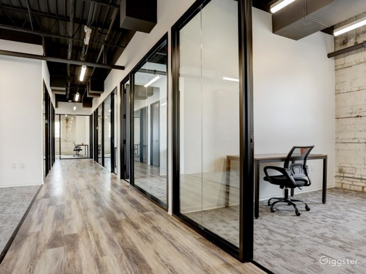 Modern Office Spaces for Meetings in Houston Photo 2