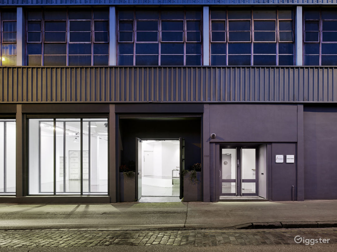 A 6,888 sq ft. Buy-out Studio Spaces in London Photo 1