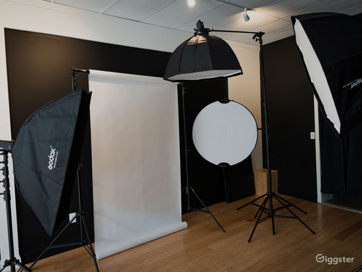 Studio Storefront for Any Production Photo 3