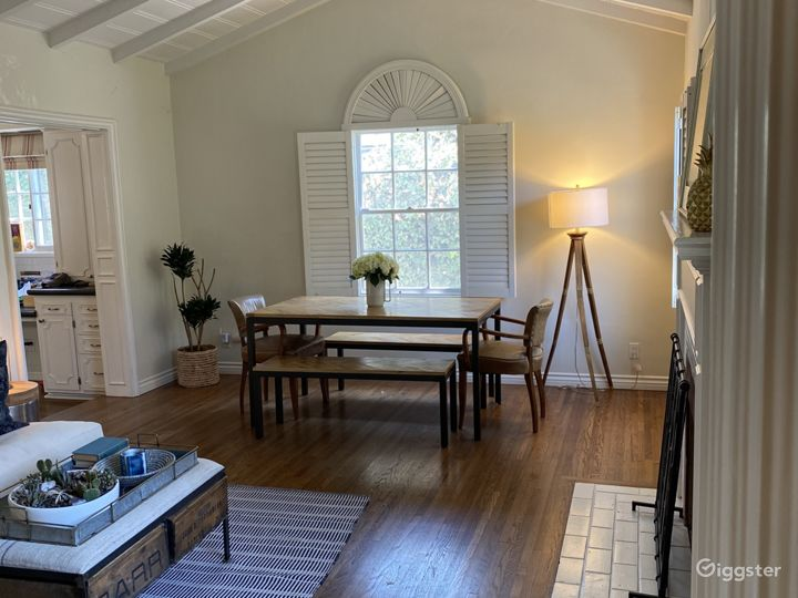 Traditional charming home in prime Studio City Photo 3