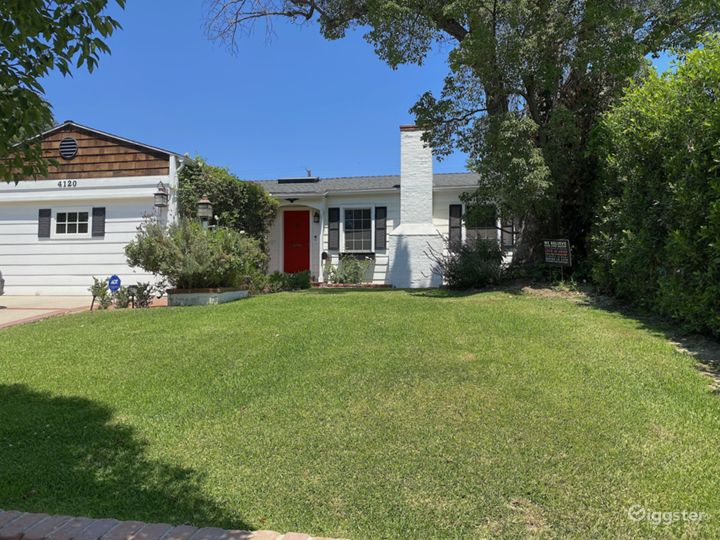 Traditional charming home in prime Studio City Photo 2