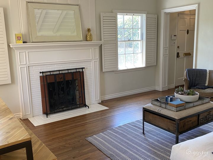 Traditional charming home in prime Studio City Photo 4