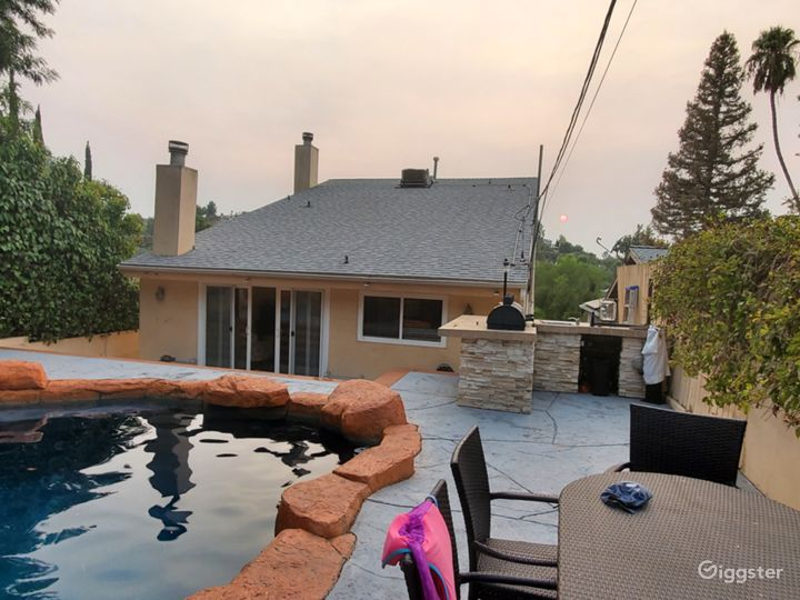 Four Level House w/Unique Swimming Pool LA Photo 3
