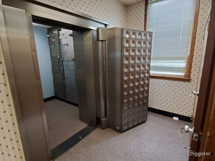 Safe Room - Fully operational safe with safety deposit boxes