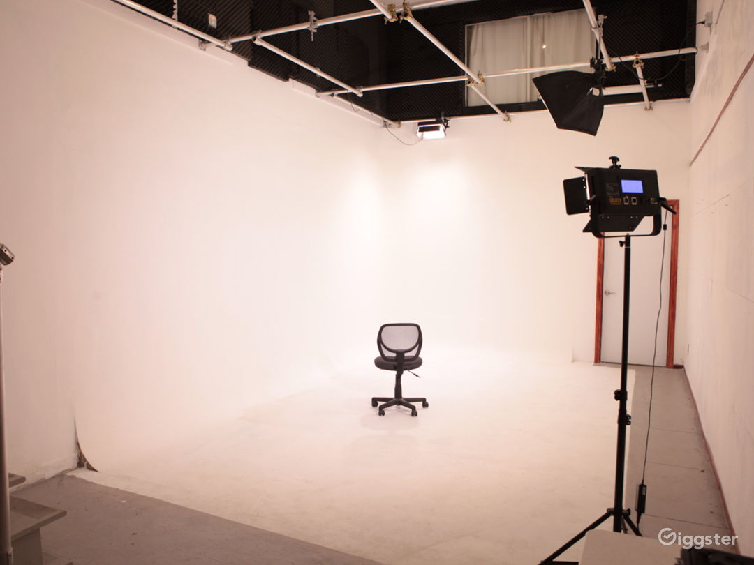 FILM Sound Stage PHOTOGRAPHY  Studio  Photo 1