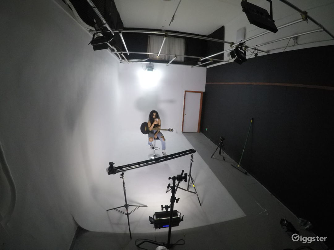 FILM Sound Stage PHOTOGRAPHY  Studio  Photo 5
