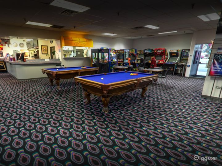 Arcade and Pool Table in Tucson Photo 4
