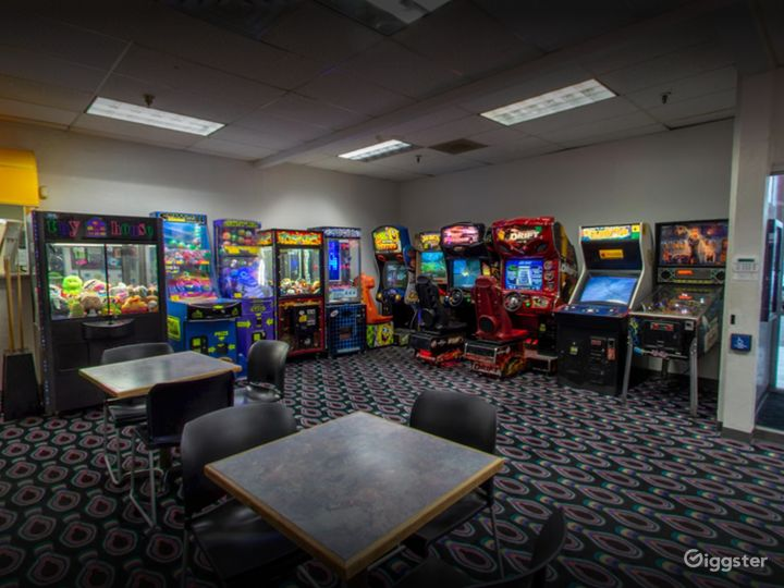 Arcade and Pool Table in Tucson Photo 2
