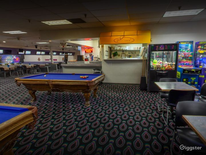 Arcade and Pool Table in Tucson Photo 3