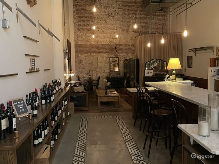 Sophisticated Wine Bar in Los Angeles Photo 3