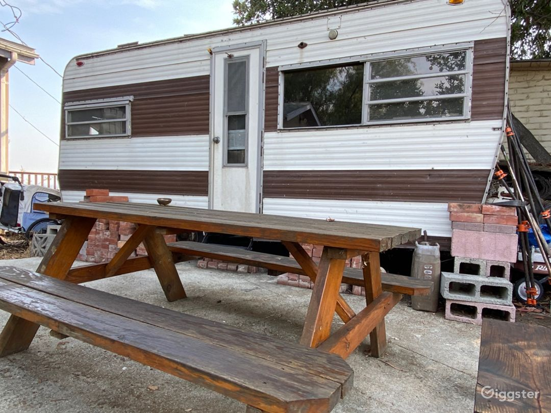 Front yard\ trailer(1970)