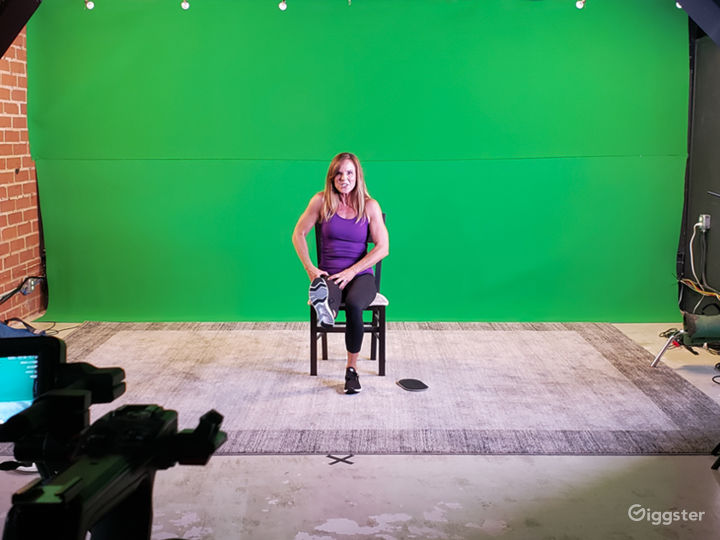 Studio with Green Screen and Sound Baffles Photo 2