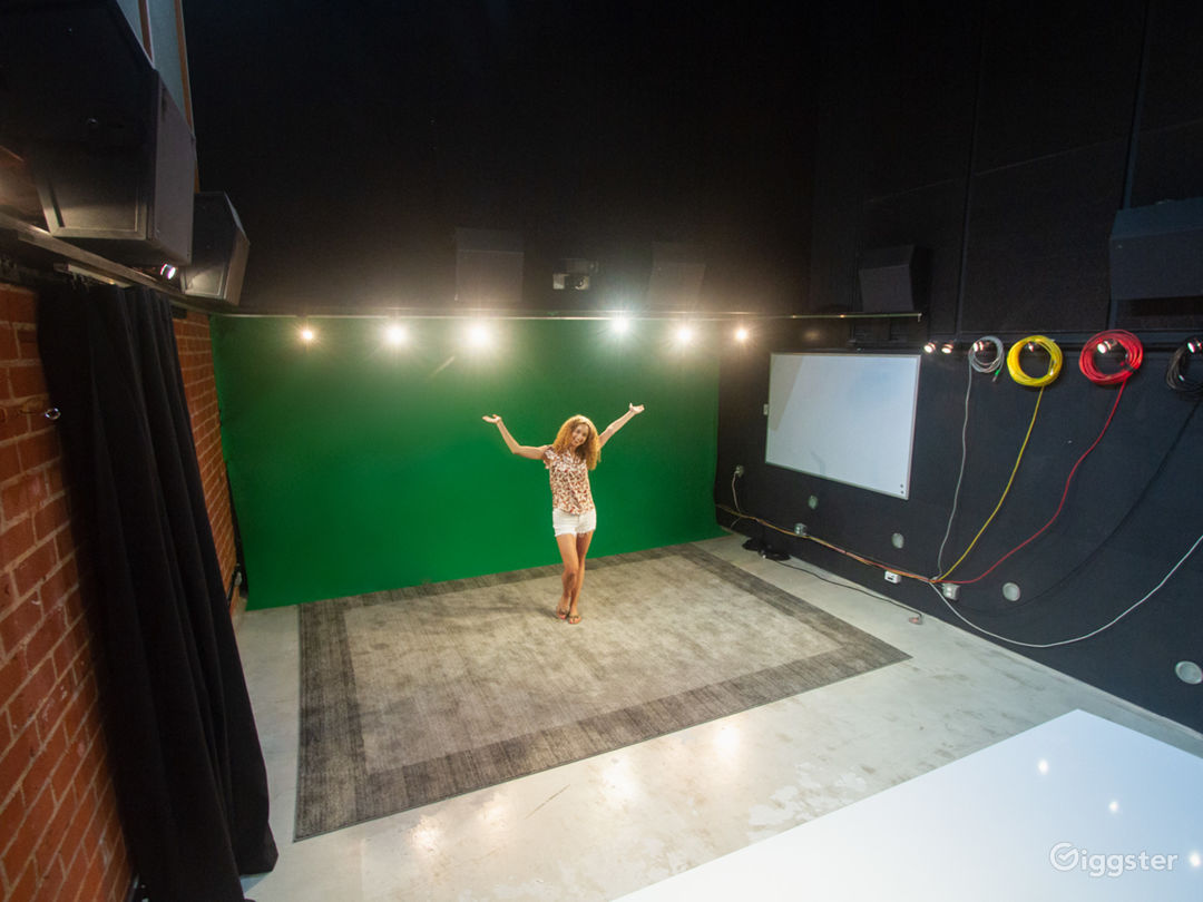 Studio with Green Screen and Sound Baffles Photo 1
