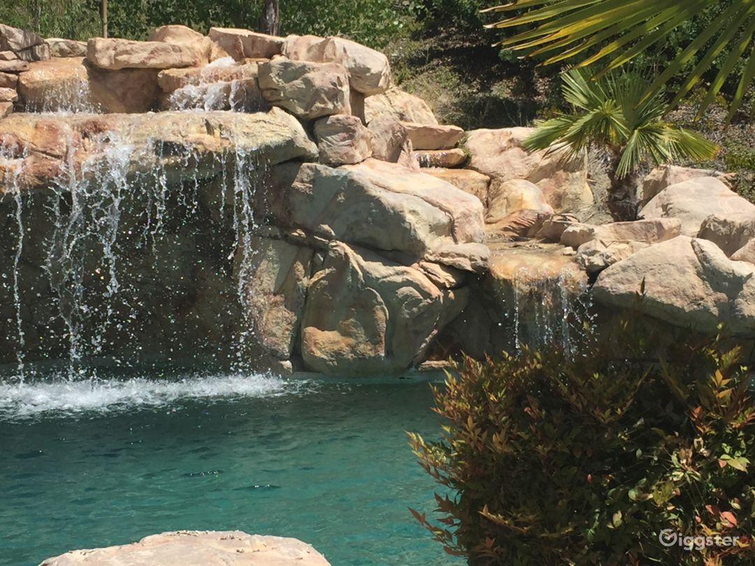 Backyard Pool Paradise  Photo 2