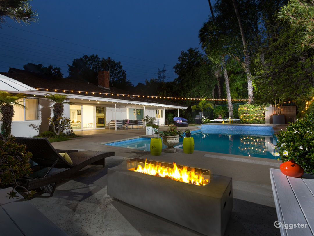 Brentwood modern home Photo 1