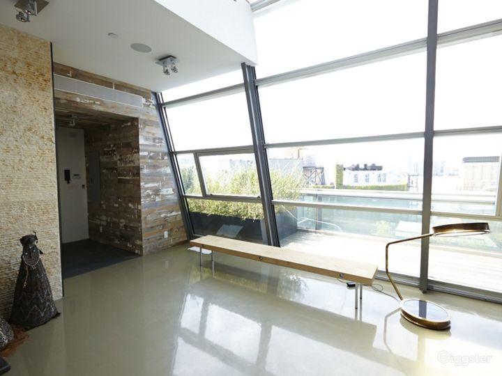 Upscale NY duplex penthouse: Location 4176 Photo 3