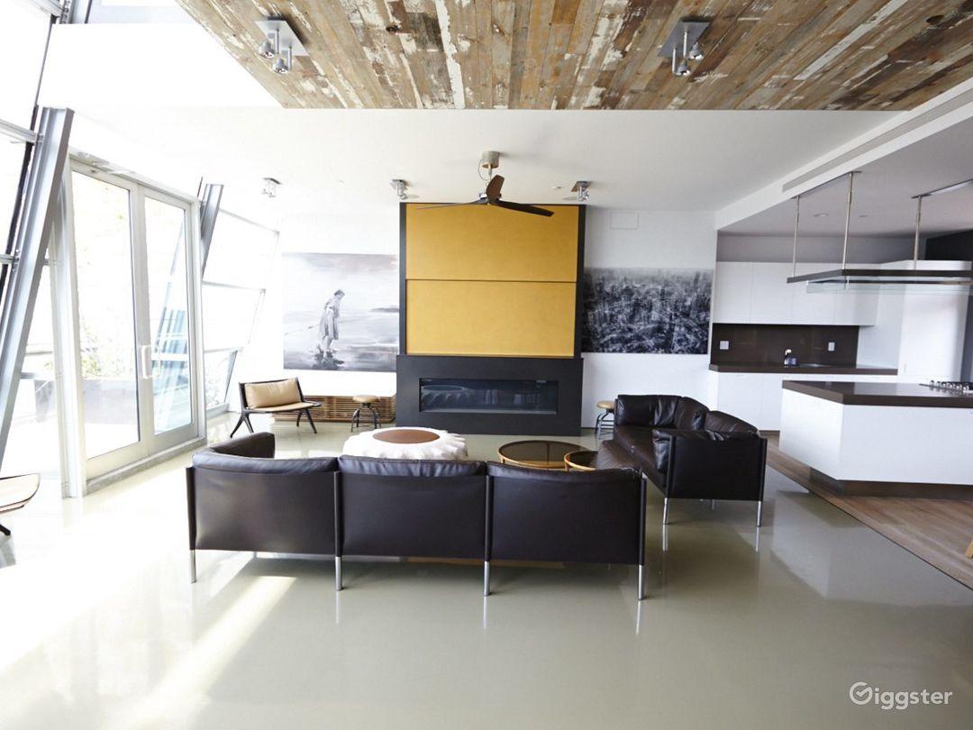 Upscale NY duplex penthouse: Location 4176 Photo 1