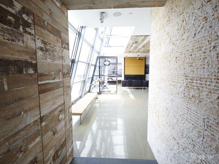 Upscale NY duplex penthouse: Location 4176 Photo 2