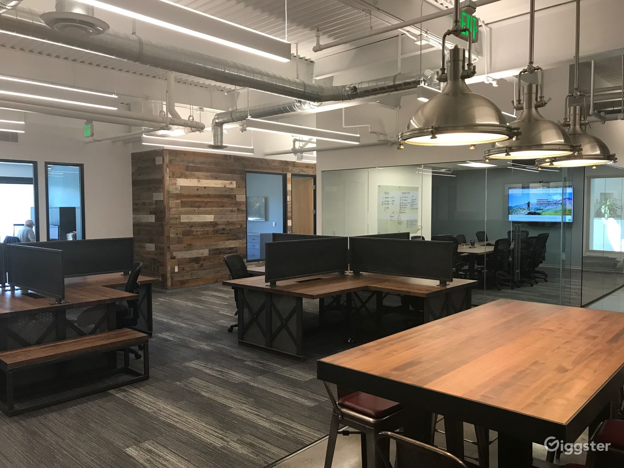 Awesome Modern Industrial Office With Tech Vibe Rent This Location On Giggster