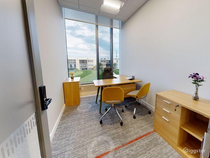 Single Private Office in Miami Photo 5