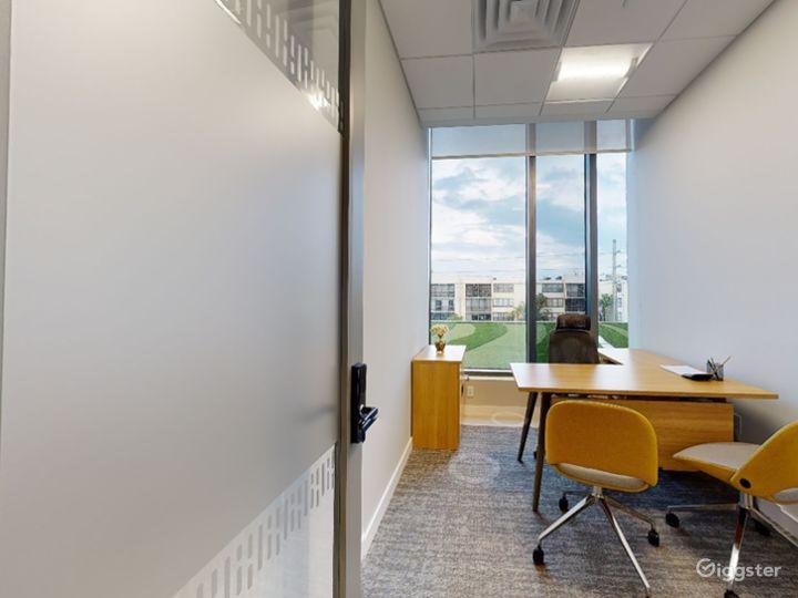 Single Private Office in Miami Photo 4