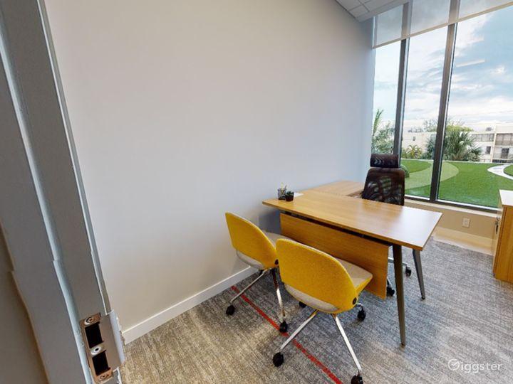 Single Private Office in Miami Photo 2