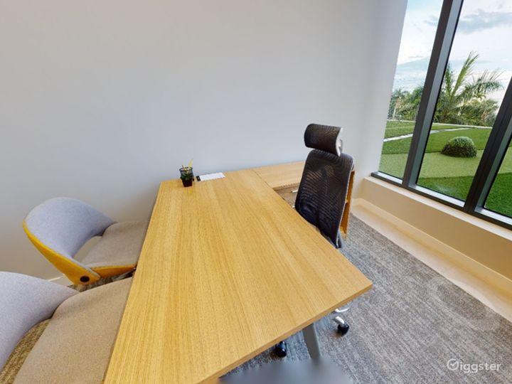 Single Private Office in Miami Photo 3