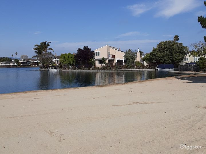 Dramatic waterfront, beach view property with boat Photo 3