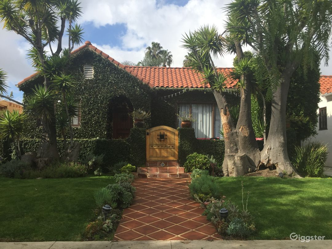 1926 Spanish House with Pool in Hollywood! Photo 3