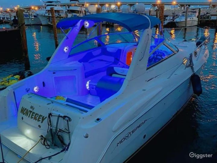 Wide and Enchanting 36ft Monterrey Party Boat Space Events  Photo 2