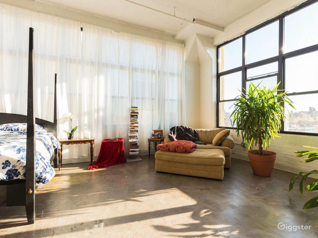 Brooklyn Loft: Bright Lighting & Factory Windows Photo 2